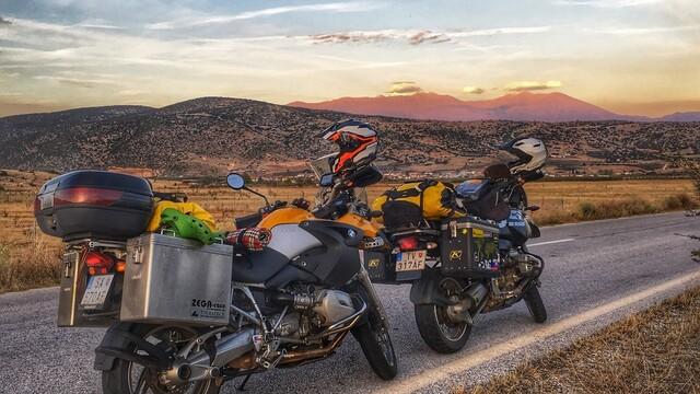 Grécko motorkou – snaha dobyť bájny Olymp