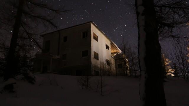 Chcete zažiť adrenalín? Skúste prieskum opustených budov v noci!