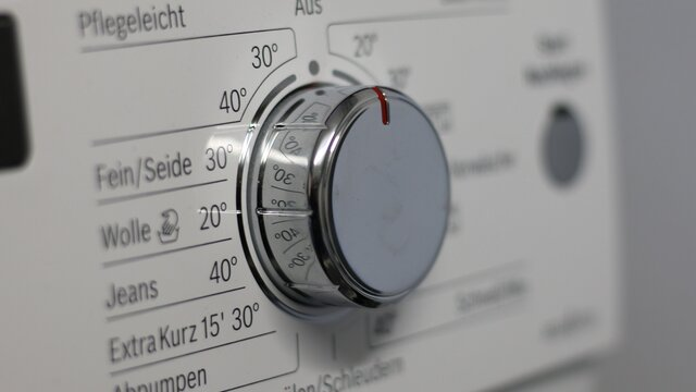 Jak pečovat o oblečení aby vydrželo co nejdéle? Chce to správnou pračku!