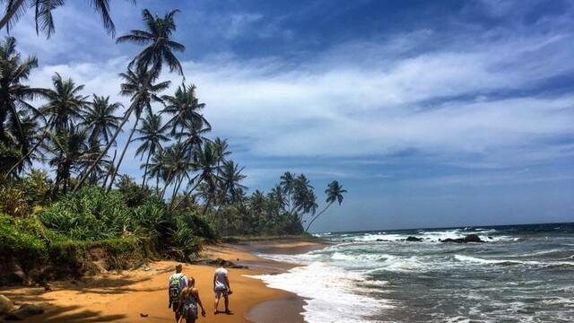 Konečne Srí Lanka! Chipmankovia aj šváby, ale inak celkom pekný začiatok mesačného flákania sa