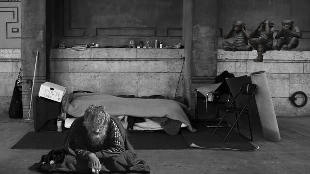 """Smutný """"Bohatý"""" bezdomovec"""