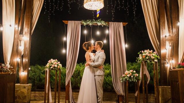 3 důvody pro pořízení světelných dekorací na svatbu