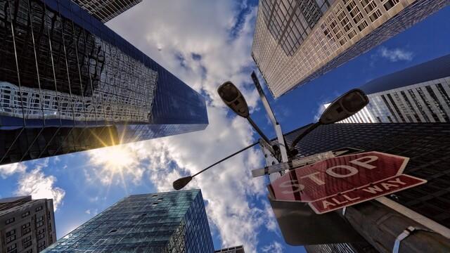 Malý korporátnik vo veľkom svete: Huspenina uprostred Manhattanu