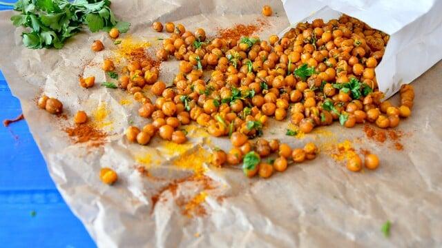 Chrumkavé cícerové chipsy (vegan)