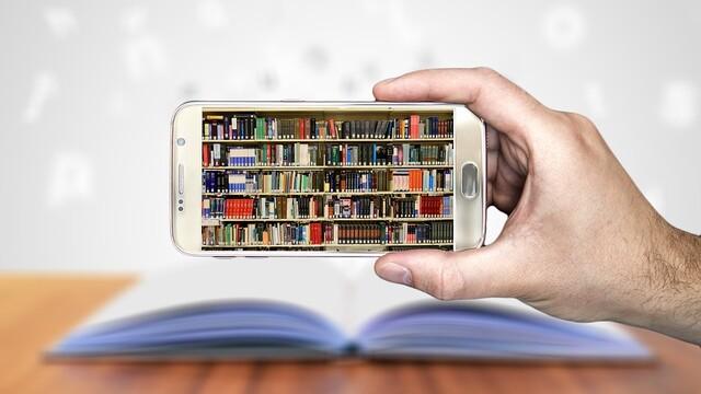 Kniha  alebo  smartphone  ?