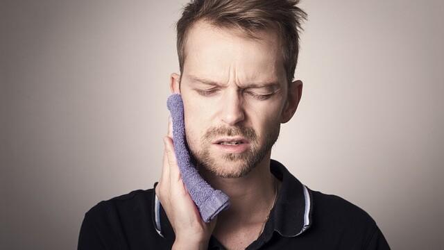 Čo pomôže na bolesť zubov