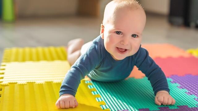 Aký vplyv majú vnímavé a náučné hračky pre rozvoj dieťaťa?