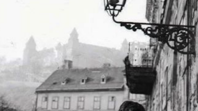 Bratislava  v  časopriestore