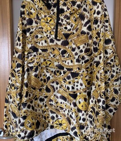 H&M Moschino bunda