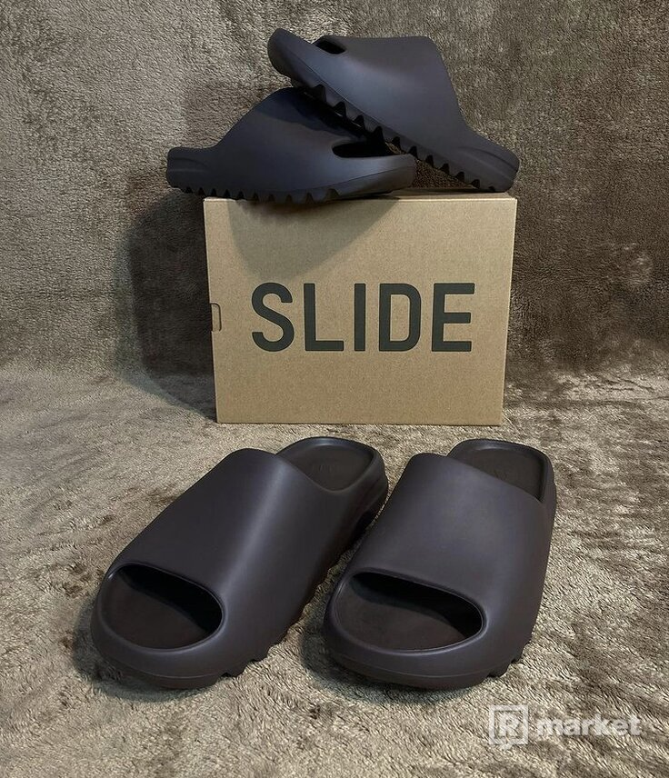Yeezy Slides Soot
