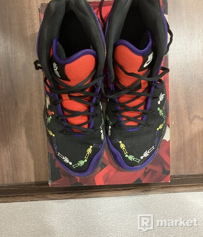 Nike Kyrie 4 Day of the dead