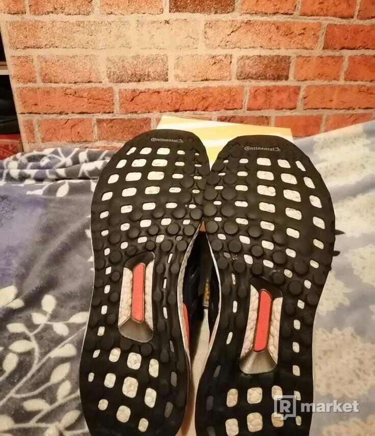 Adidas UltraBOOST   US10