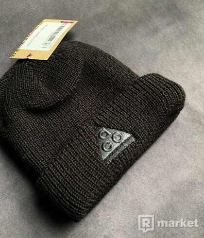 Nike ACG Beanie (čierna)