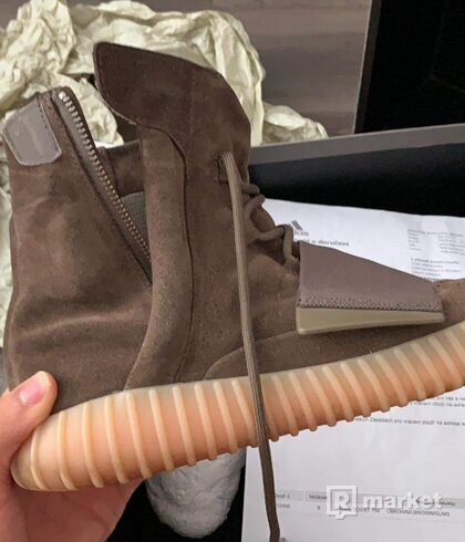 YEEZY 750 chocolate