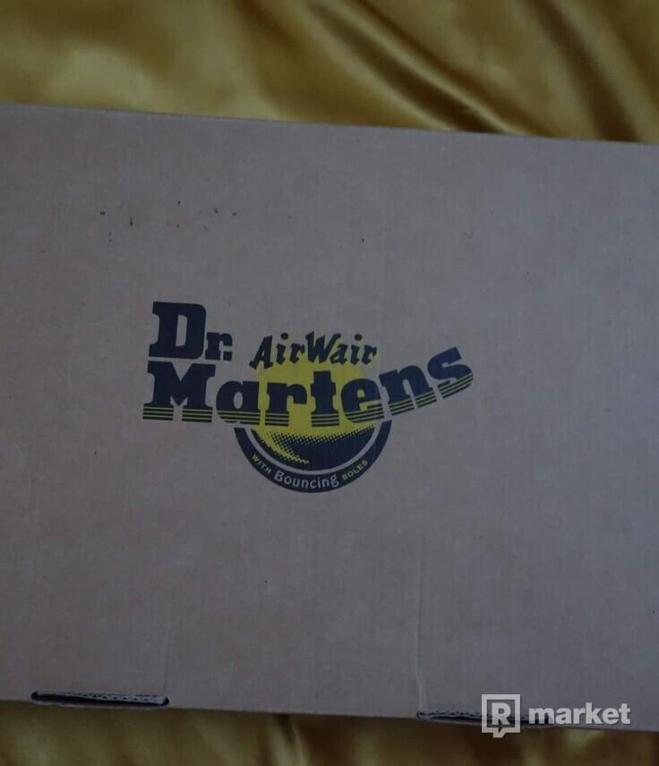 Dr. Martens 1460 navy blue 8 dierkove farba je taka čierna do modra veľ 36
