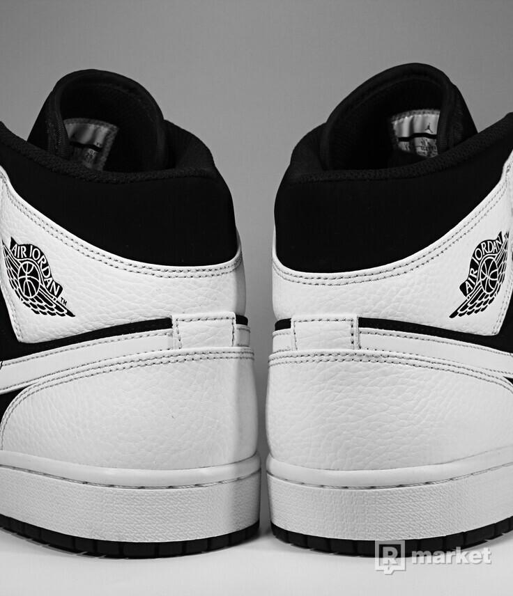 "Air Jordan Retro 1 Mid ""Tuxedo"""