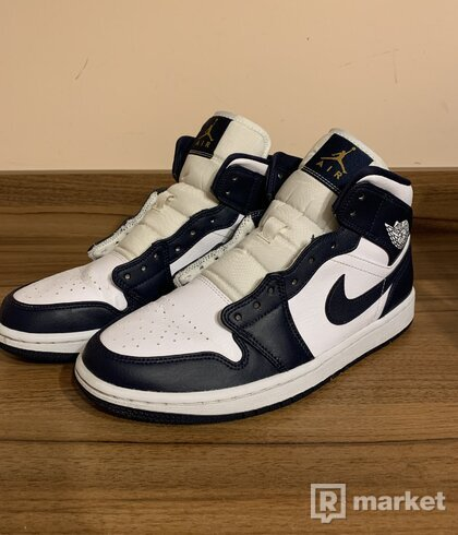 Air Jordan 1 Mid White Metallic Gold Obsidian