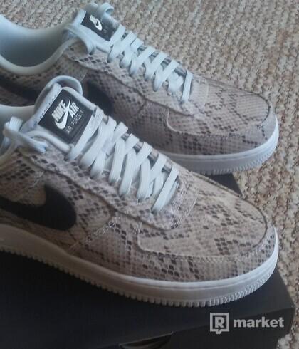 Nike Air Force 1 Sneakskin 44