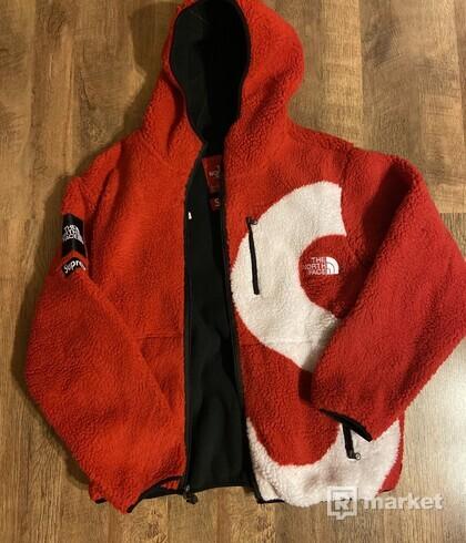 Supreme x The north Face Fleece  jacket 9,9/10