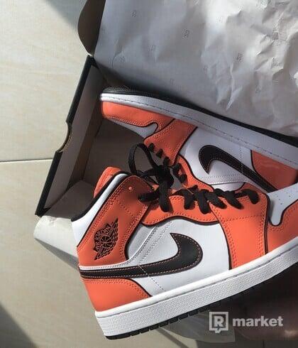 Nike Air Jordan Turf Orange