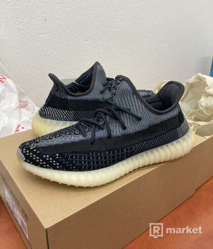 "Yeezy 350 V2 ""Carbon"" US9"