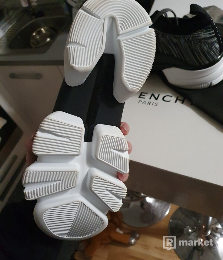 Givenchy low soxs sneakers