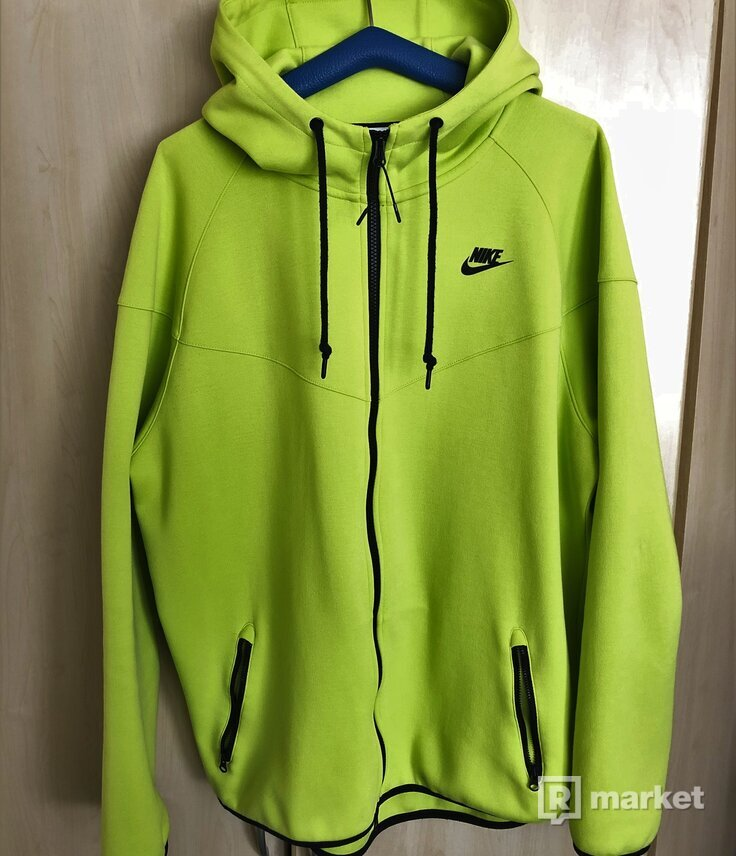 Mikina Nike