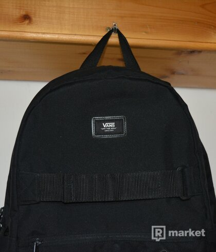 BLACK VANS BACKPACK