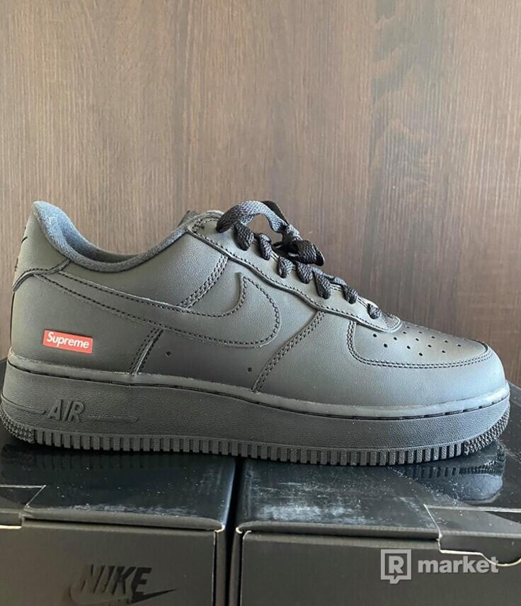 Supreme/Nike Air Force 1 Low black