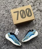 Adidas Yeezy 700 V3 Arzareth EU 42 2/3
