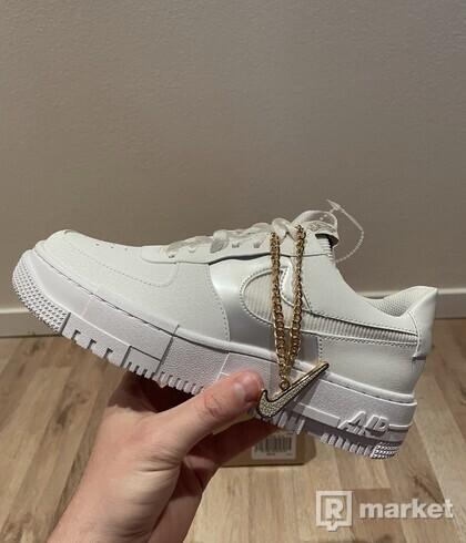 Nike Air Force 1 Low Pixel Summit White (W)