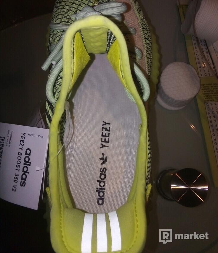 Prodám Adidas Yeezy Boost 350 v2 Yeezreel (non-reflective)
