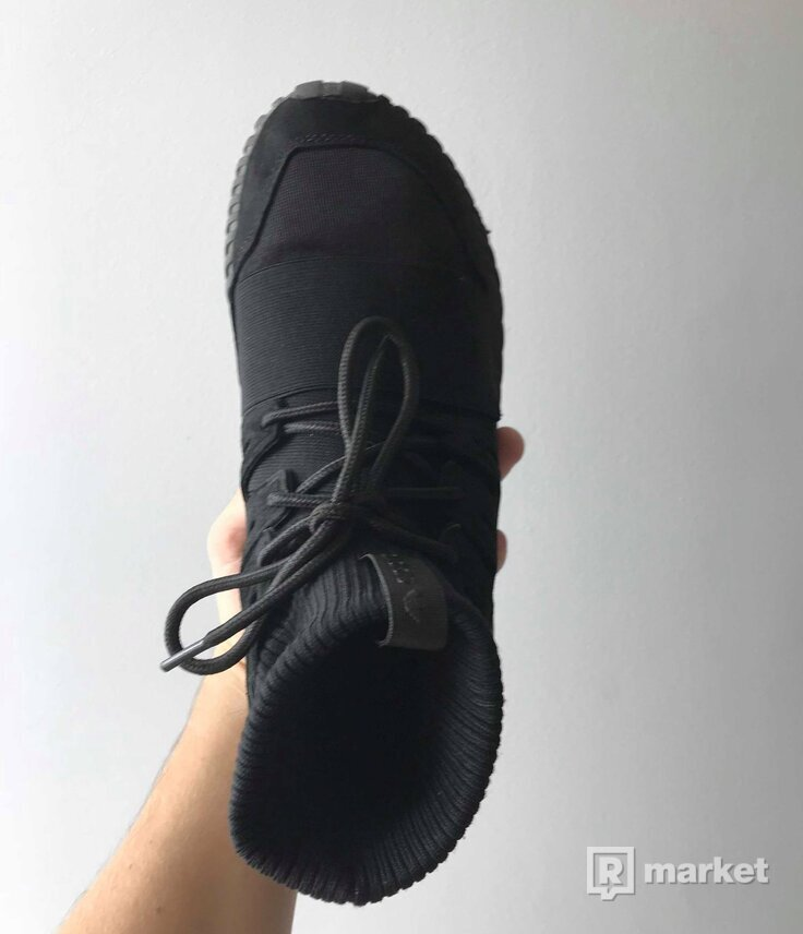 "ADIDAS Tubular Doom ""Triple Black"""