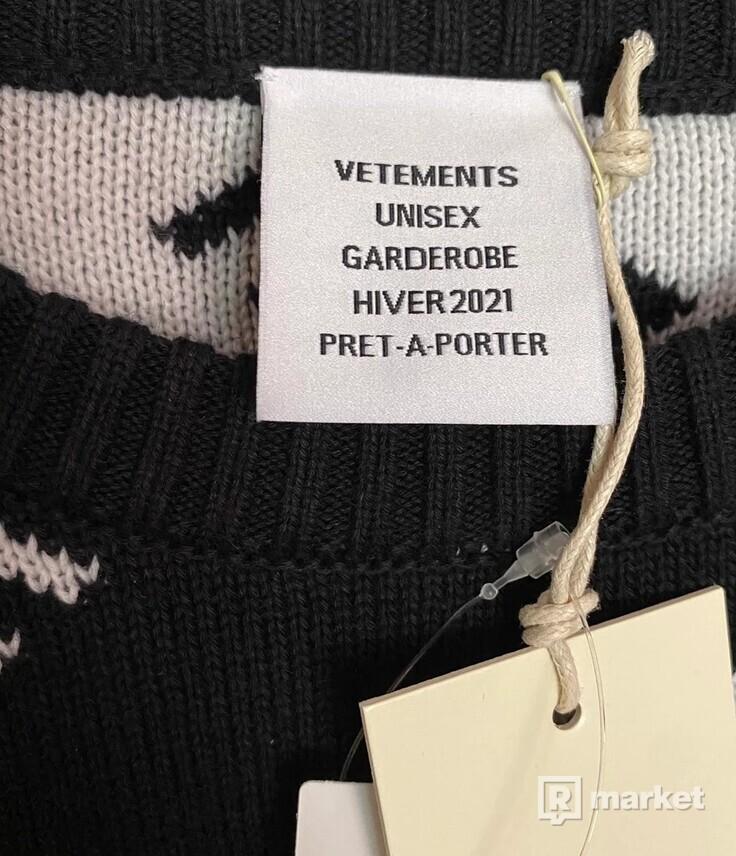 Vetements Allover Logo Sweater
