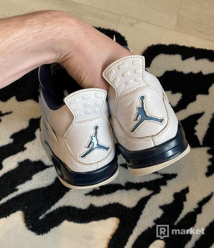Air Jordan 4 Columbia
