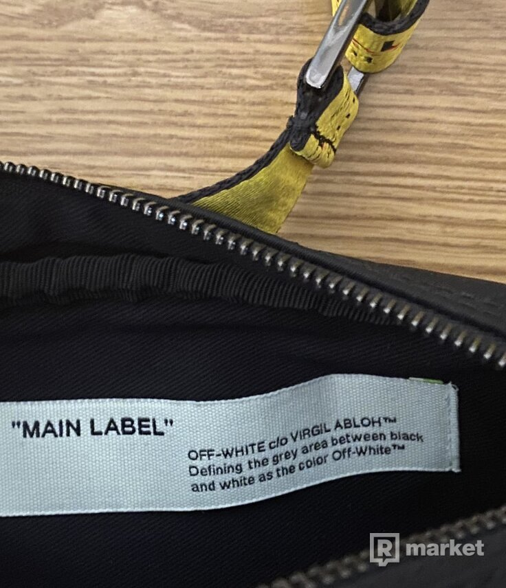 Off-White -  Crossbody bag