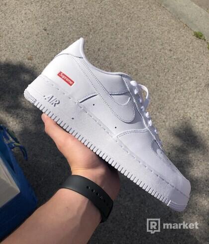 Nike Air Force 1 White x Supreme