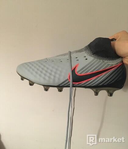 Nike magista ombra 2