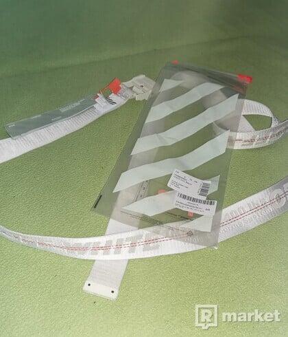 OFF-White industrial logo belt biely