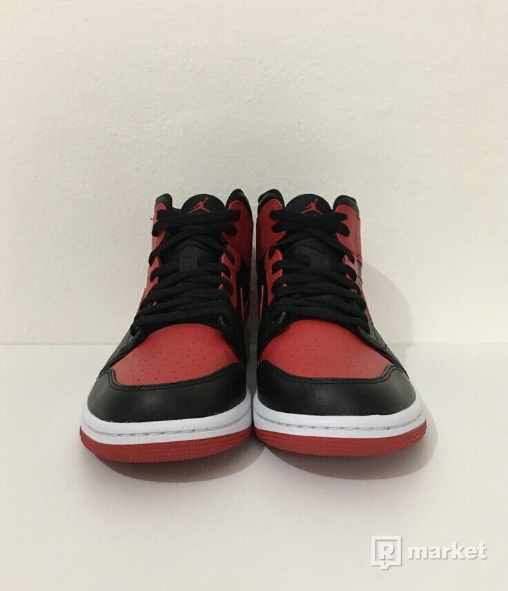 Jordan 1 Mid Banned [42]