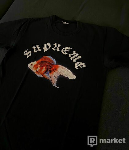 Supreme  Sasquatchfabrix Goldfish Tee