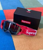 Predám Supreme x Fox VUE Racing Googles Red