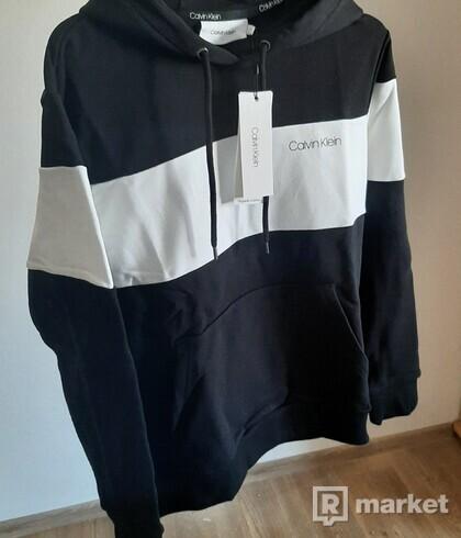 mikina Calvin Klein, černá, bílá, 1050 Kč