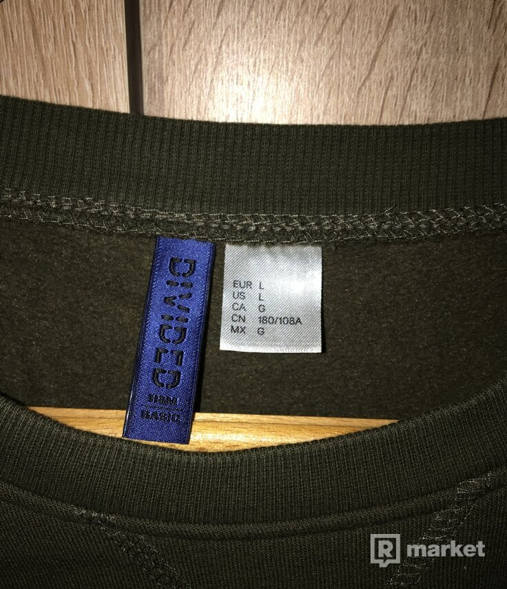 H&M sveter
