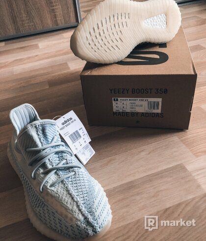 "Adidas Yeezy 350 ""cloud"""