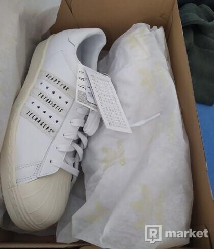 Adidas Human made superstar
