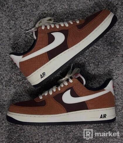 Nike AIR FORCE 1  Premium Red Bark