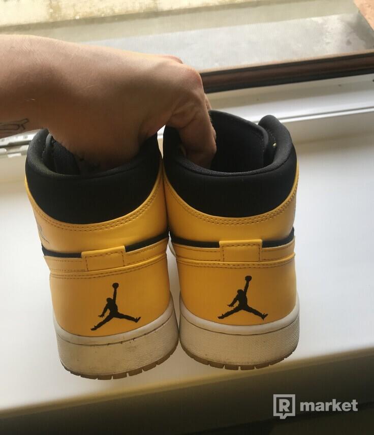 Jordan 1 Retro New Love
