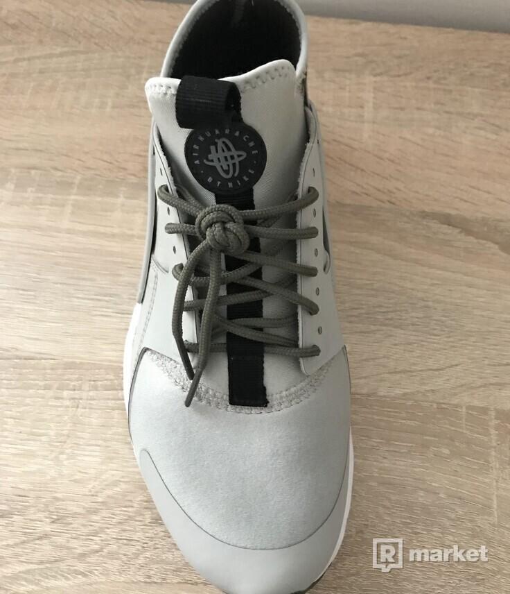 Nike Air Huarache run ultra pale grey black cargo khaki