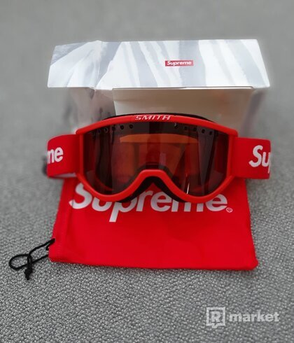 Supreme Smith Cariboo OTG Red